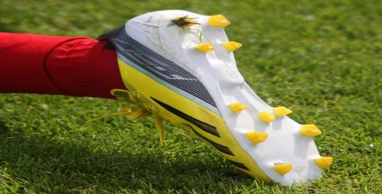 Schuhe haben bei Fußballern einen hohen St(o)ellenwert – Teil 2