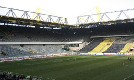 Sonnenstunden nehmen ab, die Probleme der Fußballrasen zu?
